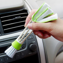 <transcy>Brush / microfiber for cleaning the ventilation of your car</transcy>