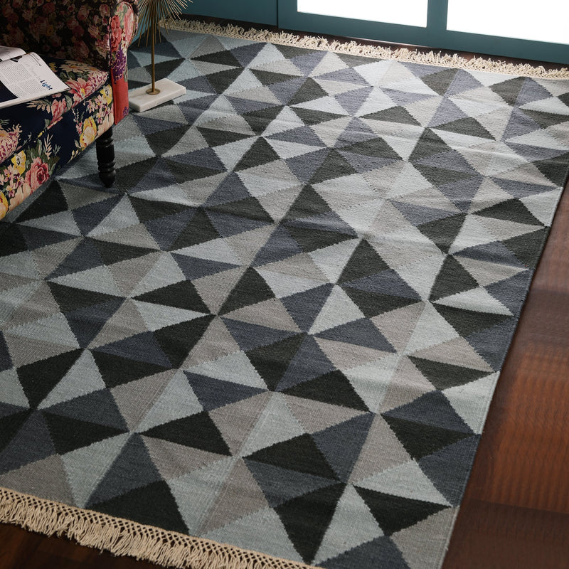 Beige, Grey and Dark Grey Geometric pattern, Hand-woven PEQURA Rug