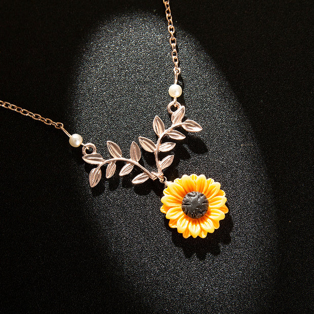Sunflower Pearl Necklace