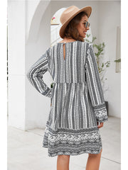 V-Neck long sleeve loose dress