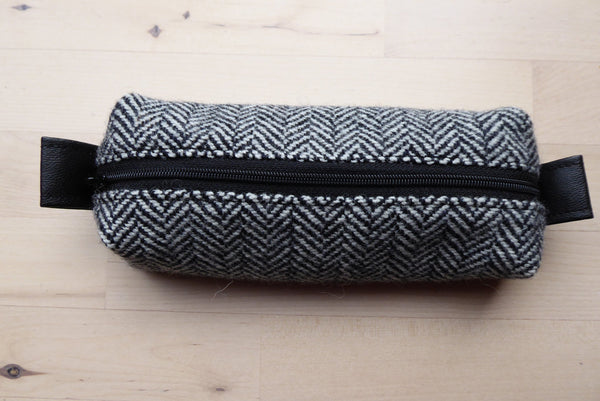 Small Tweed zipped case