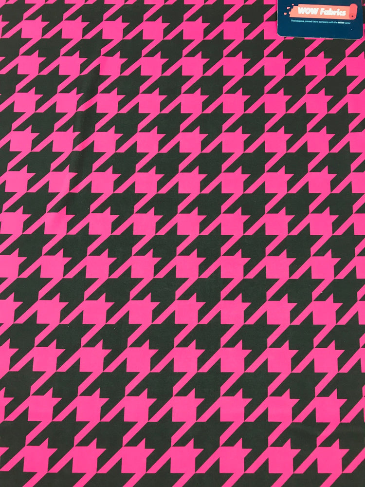 J114 Pink and Black Dog Tooth Print