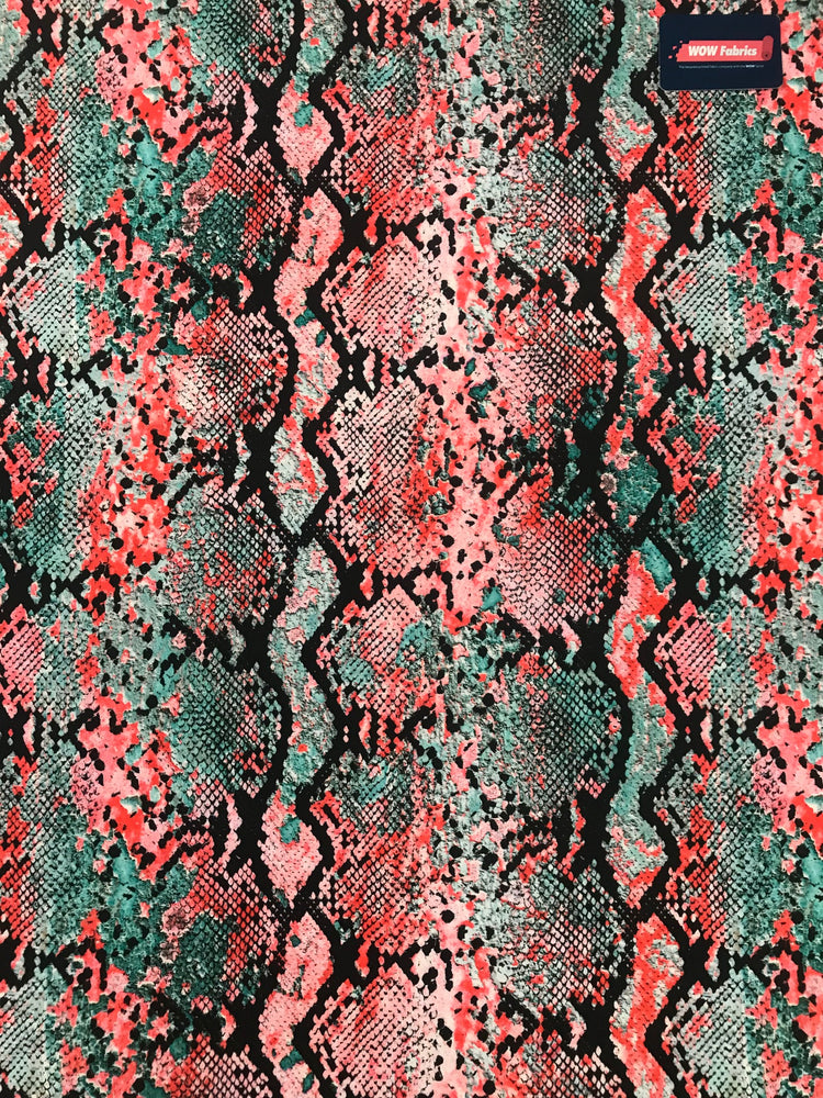 V6233 Fade Effect Red blue Snake Print