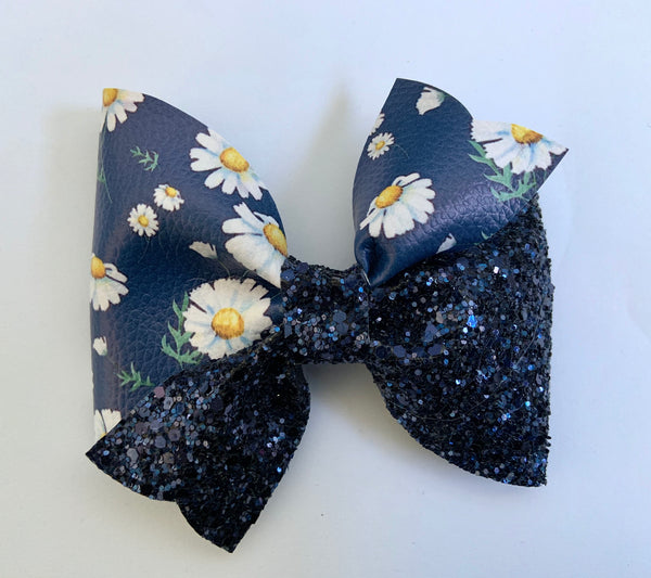 Daisy XL joy bow