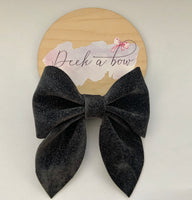 Charcoal speckle sailor bow