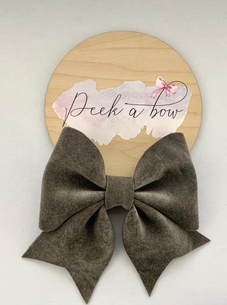 Grey sharon bow