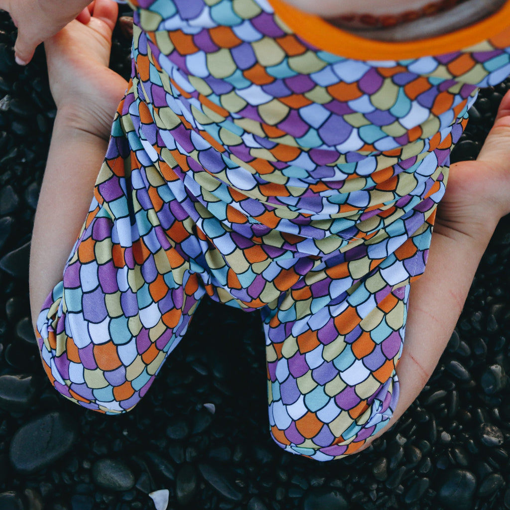 Rainbow scales | Harem shorts