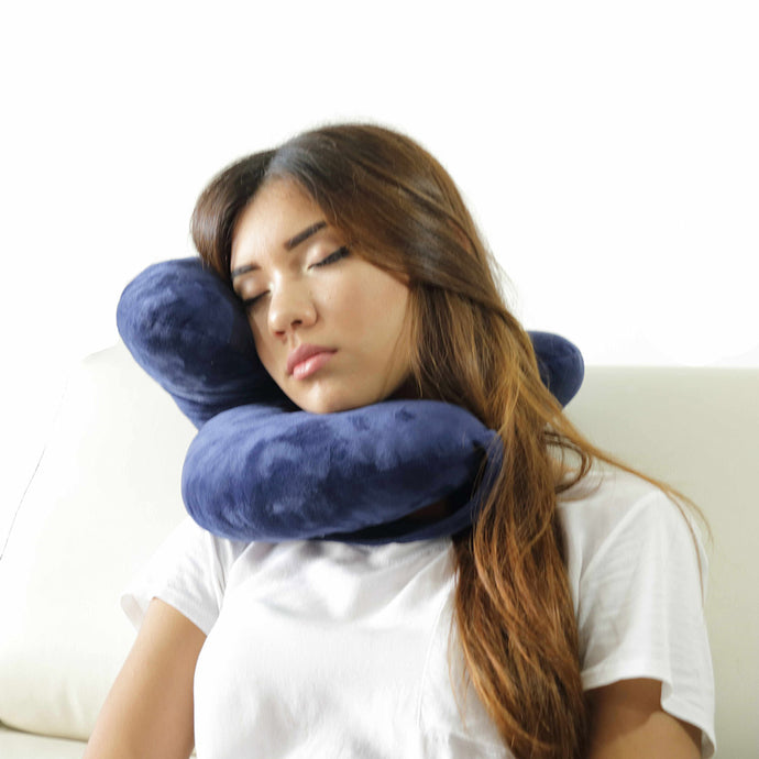 Daisy Travel Pillow Holds Head Like Magic