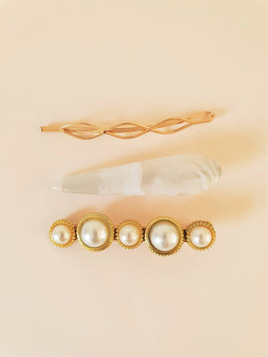 GOLD, PEARL AND RESIN HAIR CLIP SET - WHITE