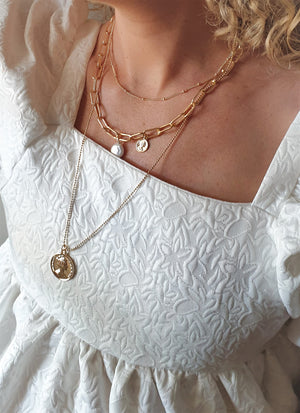 THE HANNAH COIN AND PEARL NECKLACE SET
