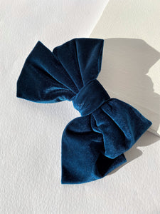 THE SYDNEY VELVET BOW CLIP - SAPHIRE