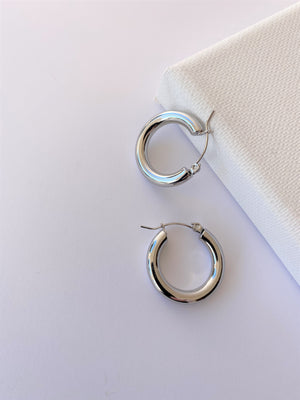 THE LESLEY STERLING SILVER HOOPS