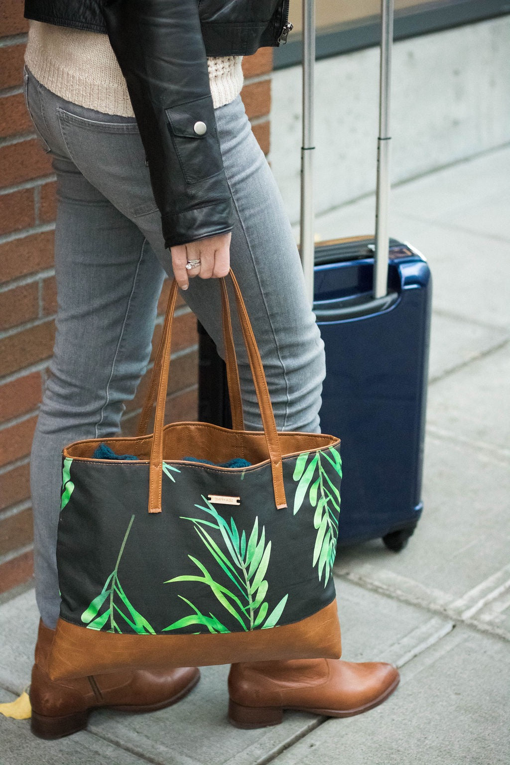 Palm Traveler Tote