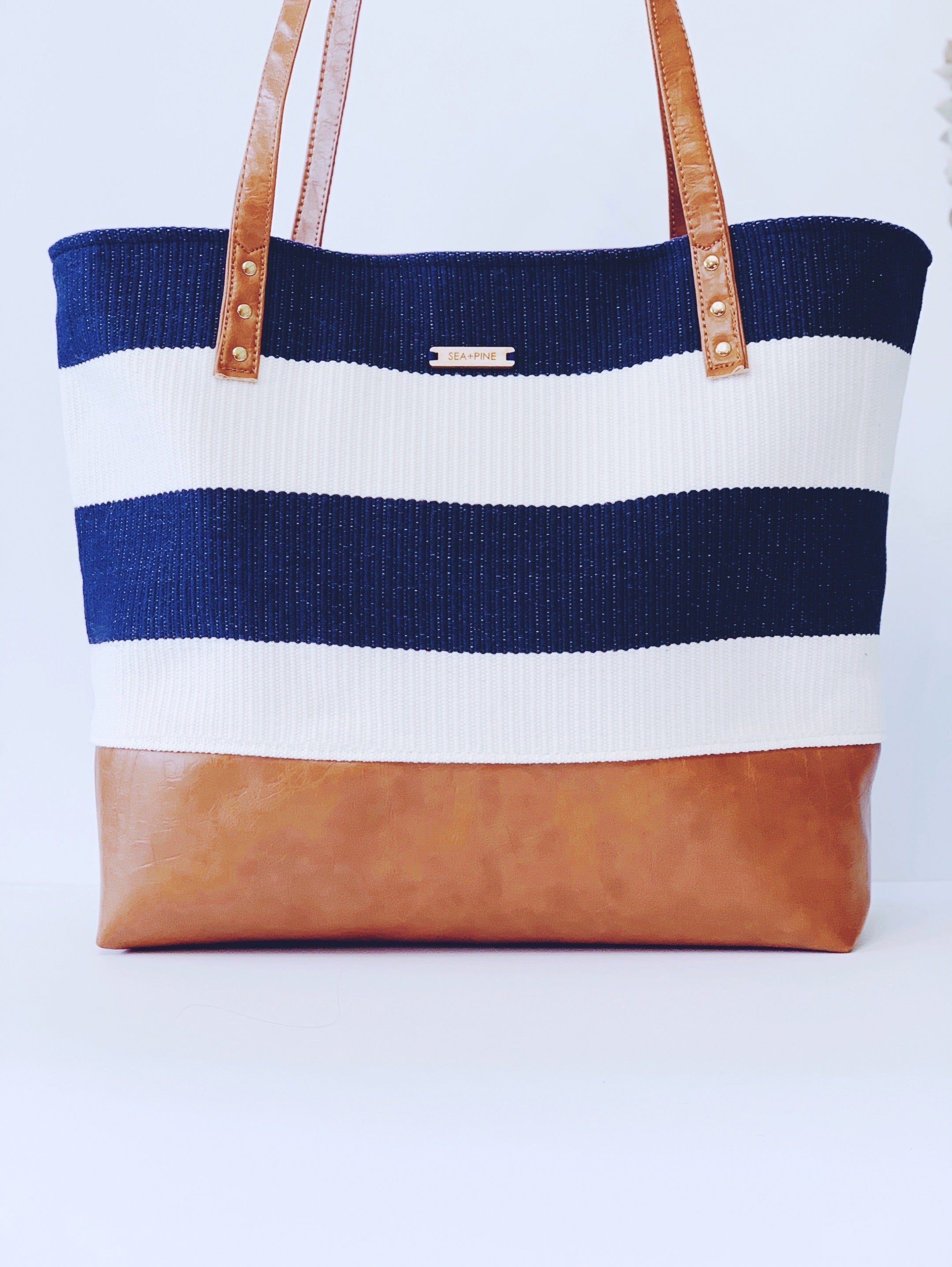 Coastline Signature Tote, Large