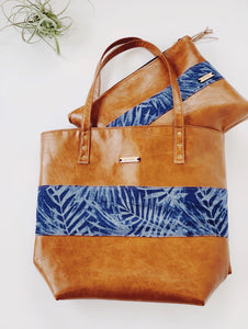 Navy Palm 2 in 1 Signature Tote & Pouch Set