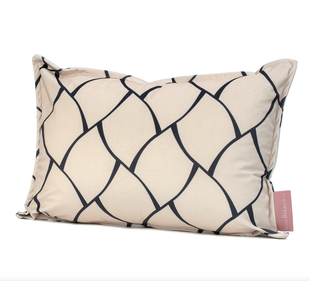 Lina Cushion cover