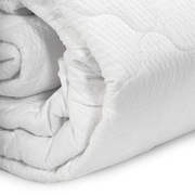 Breathable mattress protector