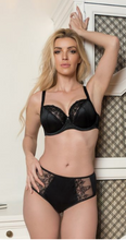 Load image into Gallery viewer, Veronica Lace Underwire Bra - Black