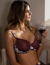 Load image into Gallery viewer, Olivia Vertical Seam Bra