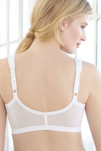 1200 MagicLift Front Close Wireless Support Bra - White