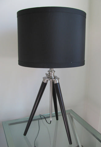 NEW YORK TRIPOD DESK LAMP