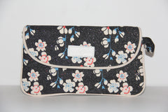 envelope makeup bag