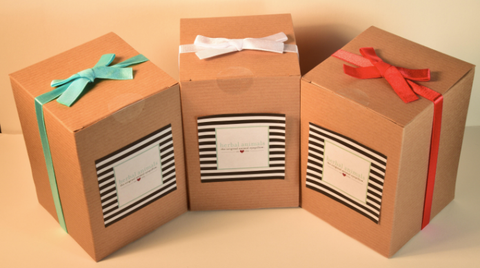 gift box + white bow ($3 per item)