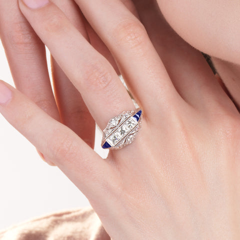 sapphire-engagement-rings