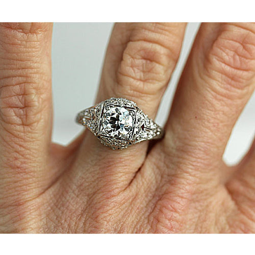 Art Deco 1.20 Carat Platinum Engagement Ring