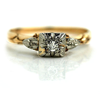 Solitaire Engagement Ring with Fluted Band
