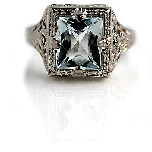 Art Deco 1.50 Carat Aquamarine Ring