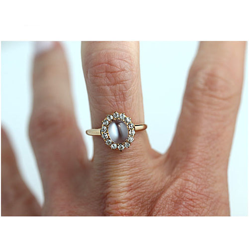 Vintage 1.40 Carat Moonstone Engagement Ring