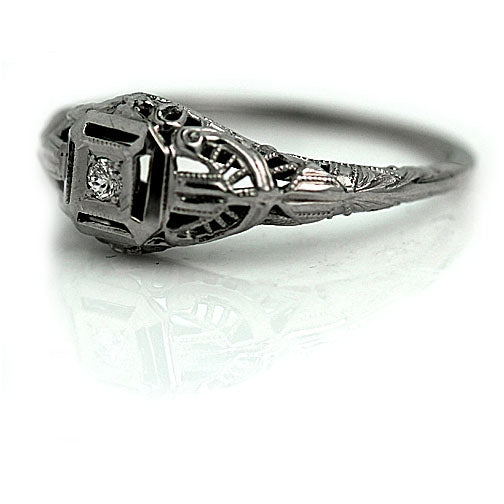 Art Deco Solitaire Ring 18 Kt White Gold