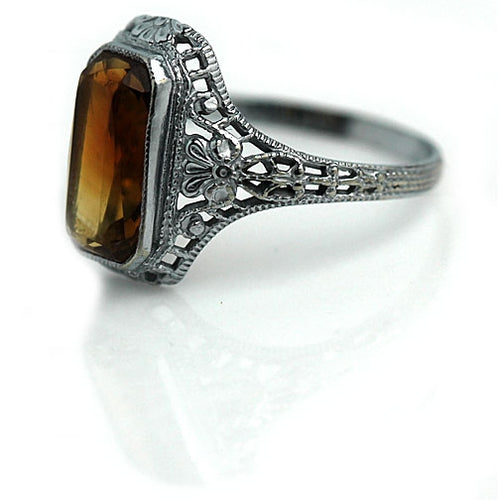 10Kt White Gold Citrine Engagement Ring