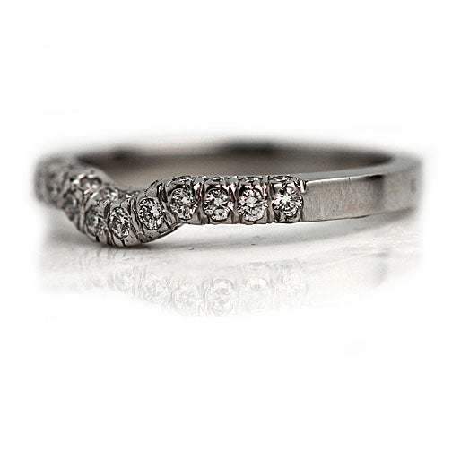 Vintage Style Platinum Contoured Wedding Band