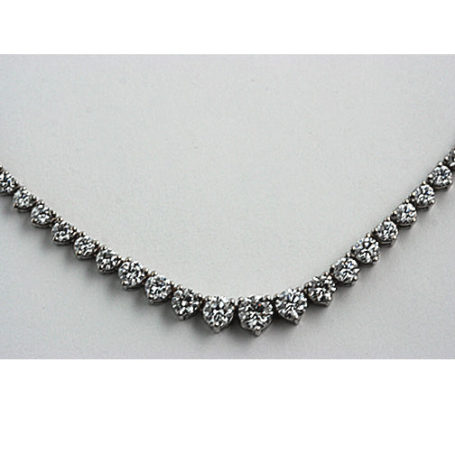 18 Kt White Gold Graduated Diamond Necklace