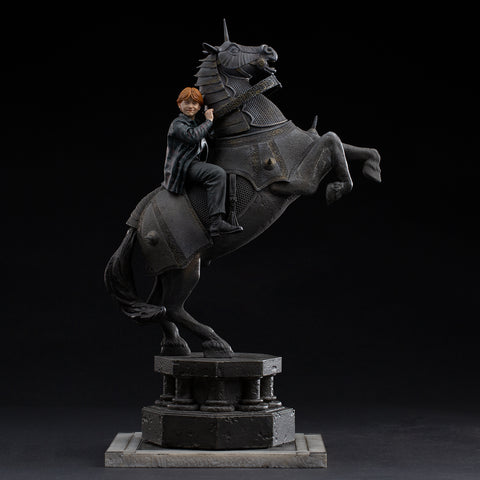 [PRE-ORDER] Iron Studios Harry Potter - Ron Weasley at the Wizard Chess Deluxe Art Scale 1/10