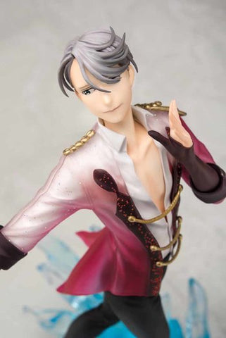 Yuri On Ice!!! Victor Nikiforov Figure 1/8 Scale