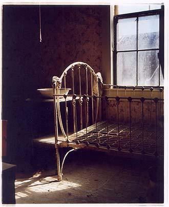 Iron Bed, Bodie 2001