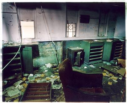 Disused Ticket Office - Railway Station, Port of Tilbury 2005