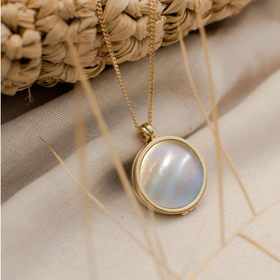 mother of pearl pictures locket