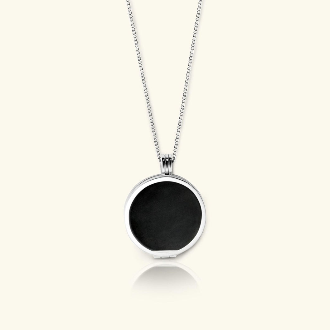 Create Your Own Smart Locket Necklace - digital lockets by evermée