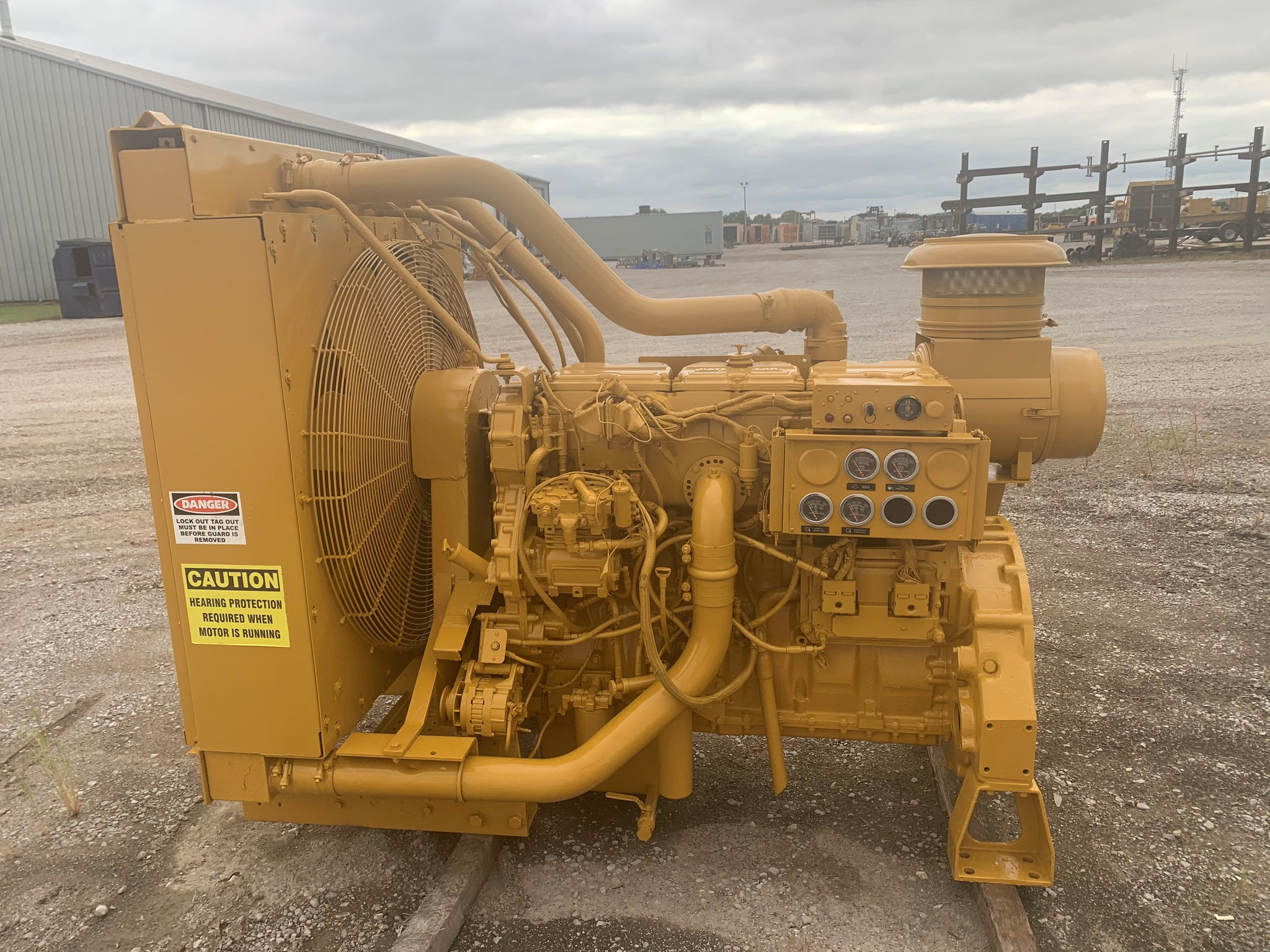525HP - CATERPILLAR C15