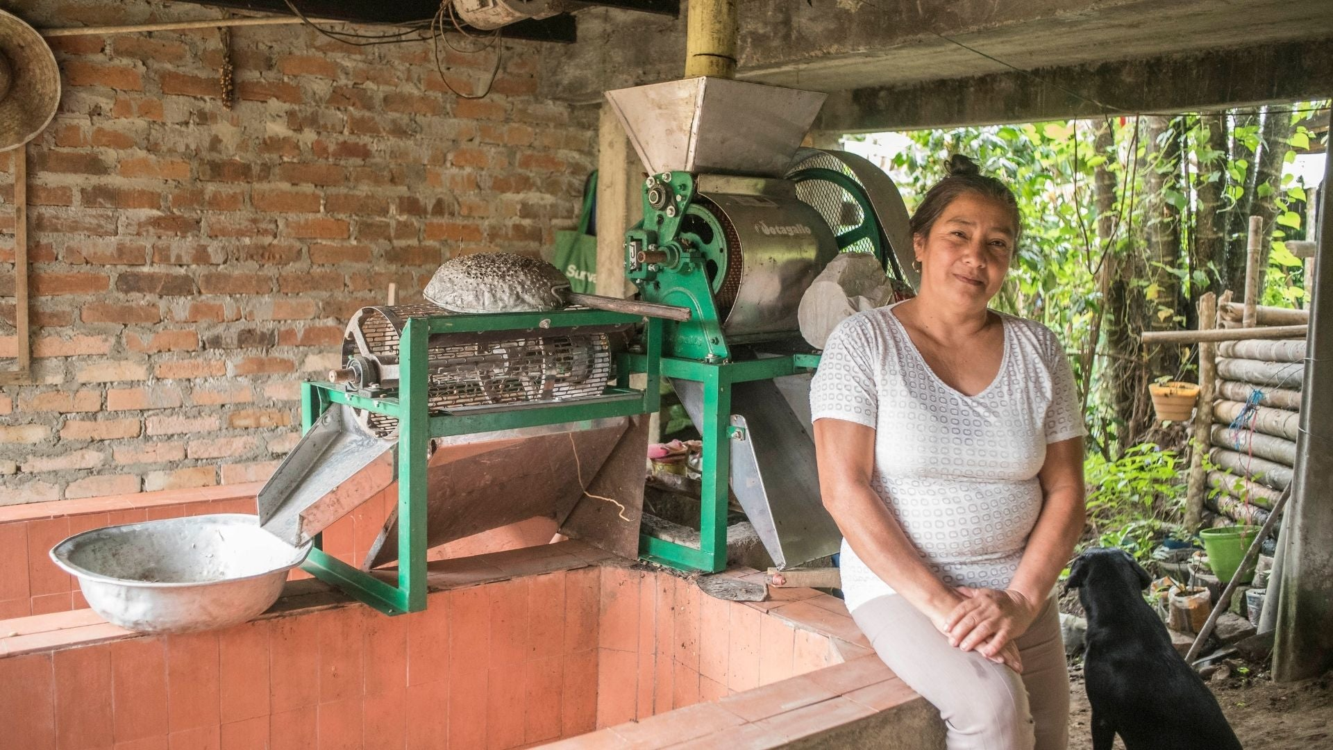 Colombian Café Femenino COSURCA farmer- Image courtesy of Fair Trade TRANSFAIR USA.