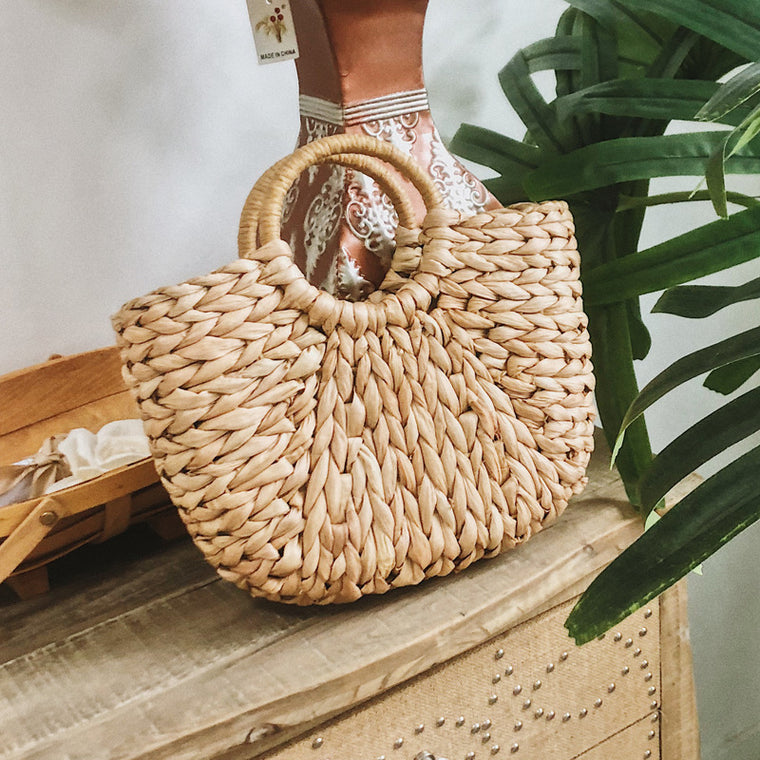 Woven straw fashion handbag basket