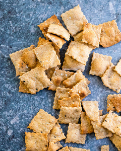 Step up your snacks or parties with this homemade crackers recipe! This crispy flatbread style cracker is full of flavor, and all natural with no additives.