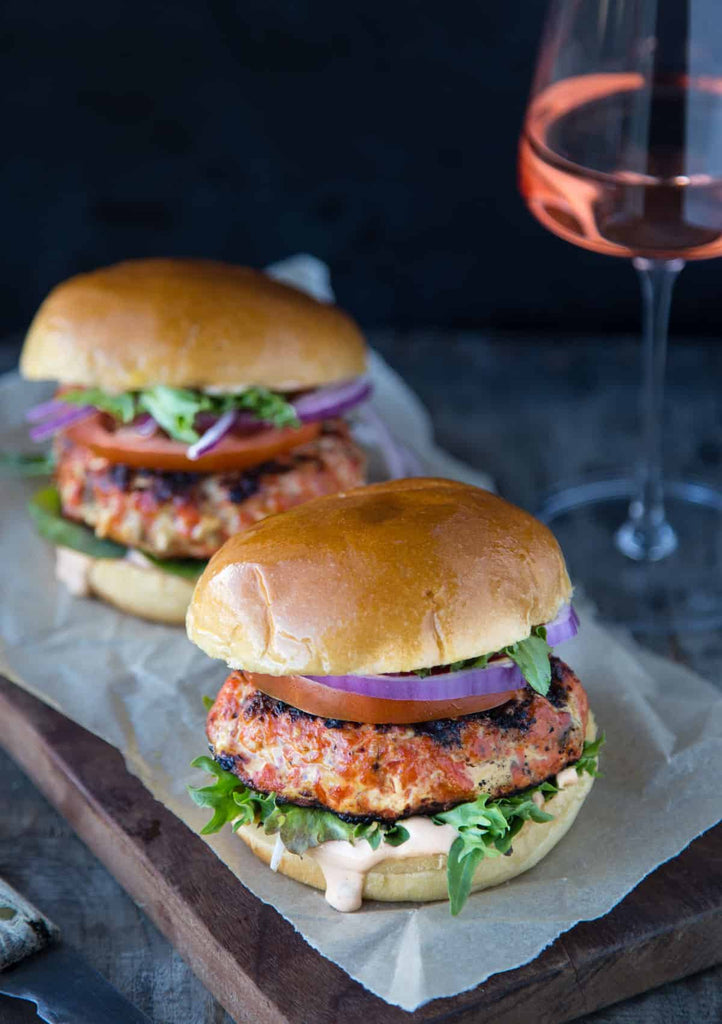 Making fresh salmon burgers is incredibly easy, and it doesn't require using the canned stuff
