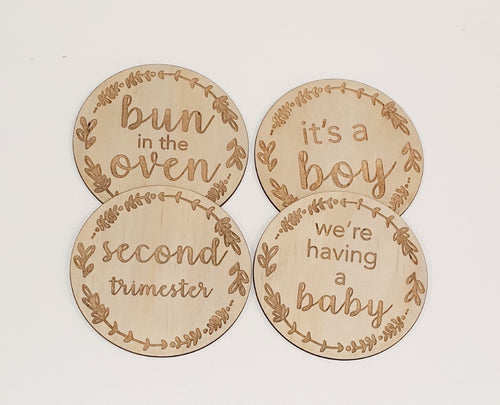 Wooden Pregnancy Milestone Rounds