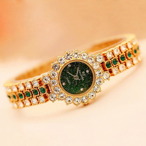 Delicate Diamond-inlaid Watch