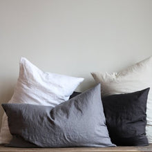 Load image into Gallery viewer, Cushion cover L stonewashed linen- Carbon 60x 90 cm